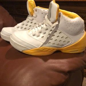 Yellow Carmelo Anthony Air Jordan